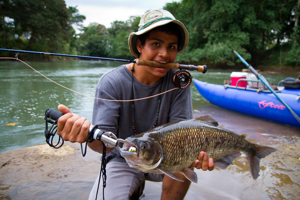 Fly fish in costa rica about for Fishing in costa rica